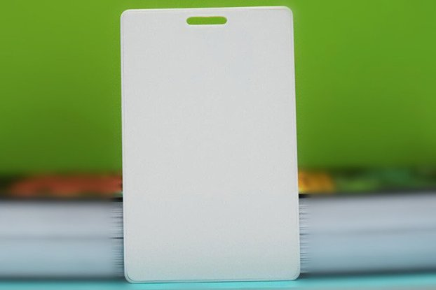 Nordic Chipset iBeacon/Eddystone Rfid card beacon