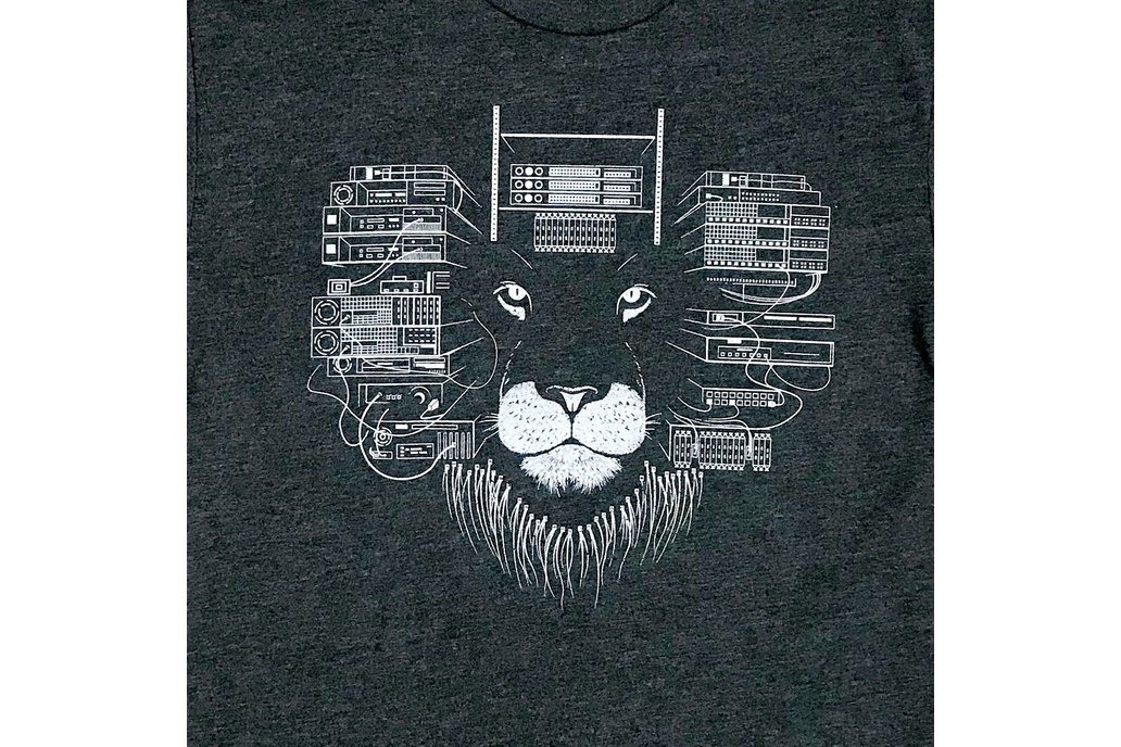 Maneframe Lion Graphic T-shirt in Charcoal Grey 1