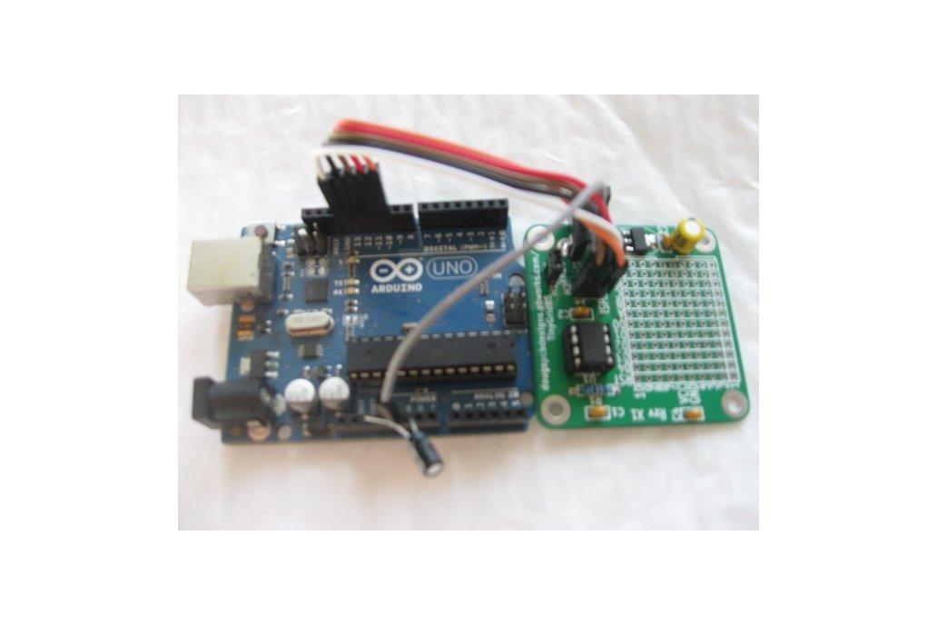 TinyGrid85 - ATTiny85 board with prototyping area 6