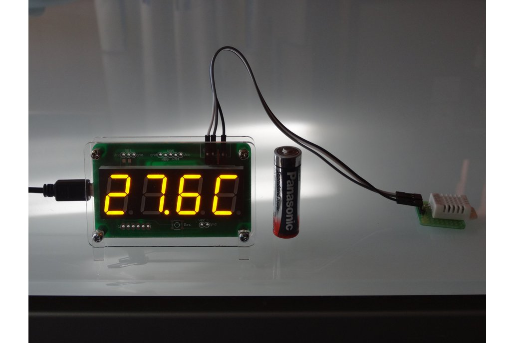 USB powered thermometer and hygrometer 1