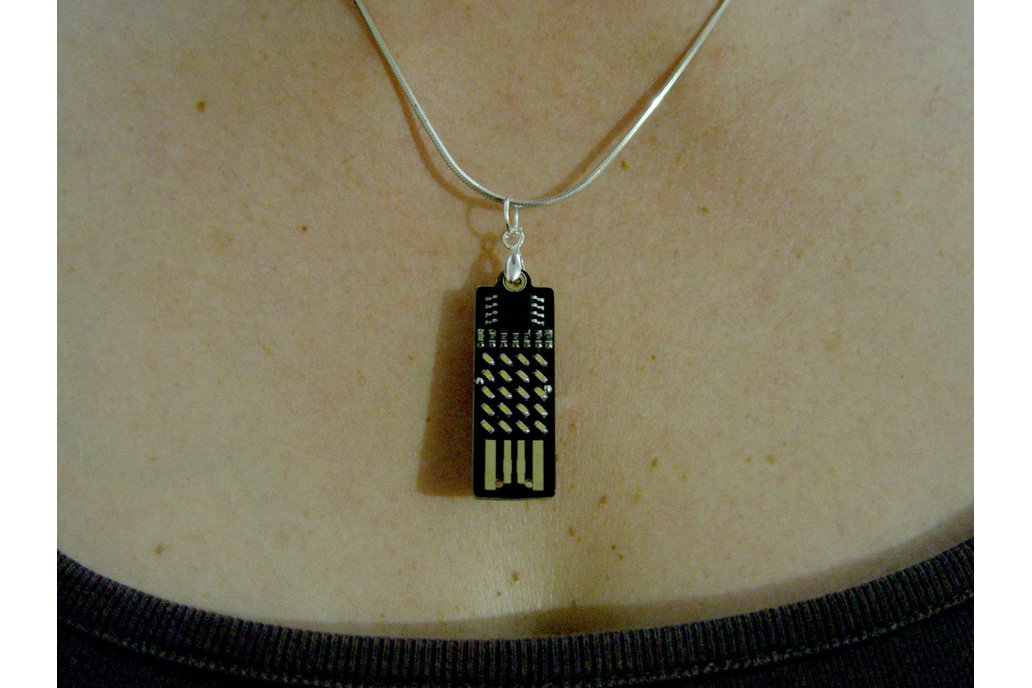 Supercapacitor 20 LED earrings / necklace 6