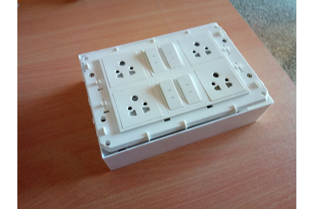 Node MCU ESP32 WIFI board 4 Relay iot with casee 8