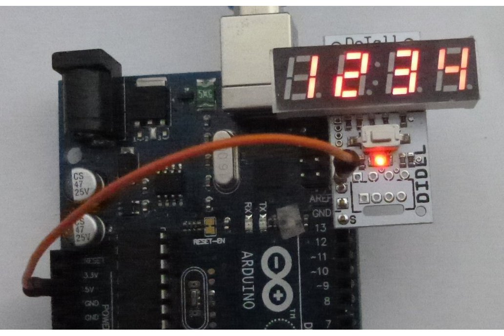 DiTell b - A low cost 4-digit debugging display  1