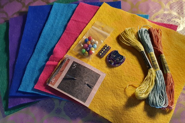 Sew-on LED Creativity Kit -felt, bells and beads