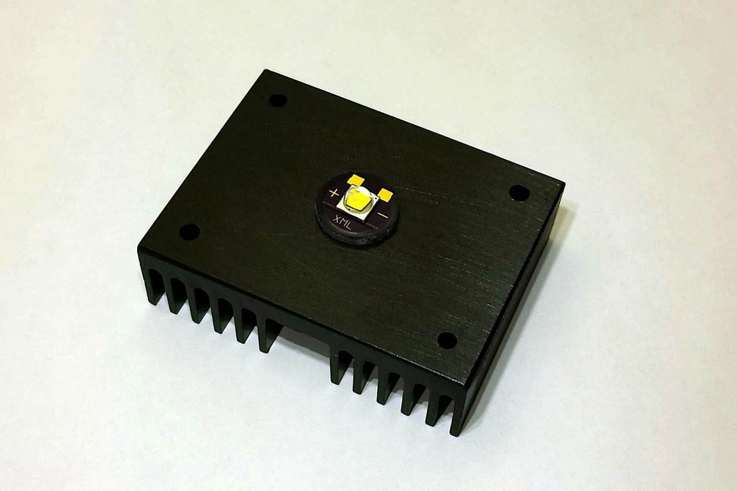 Cree XML PCB with PowerPeg Heatsink 1