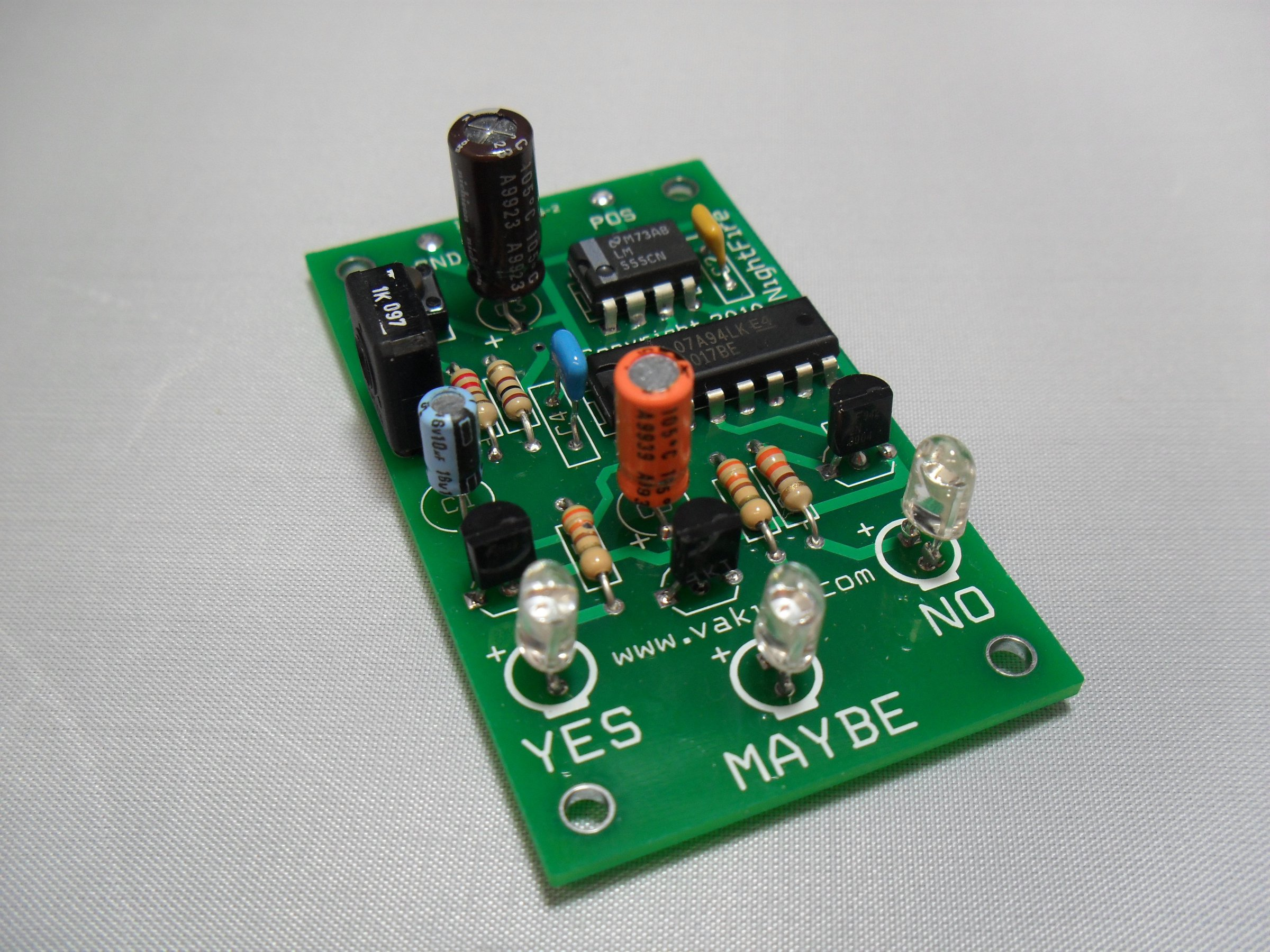 Electronic Decision Maker Kit 1743 From Nightfire Electronics Llc Circuit Kits For Beginners 1
