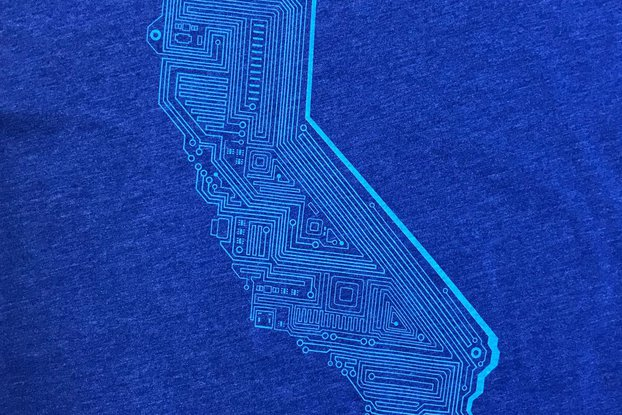 Cali Tech Graphic T-shirt in Blue