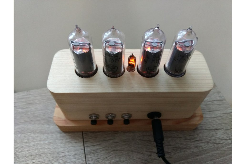 IN-14 Nixie Tube Clock in Wooden Case 4