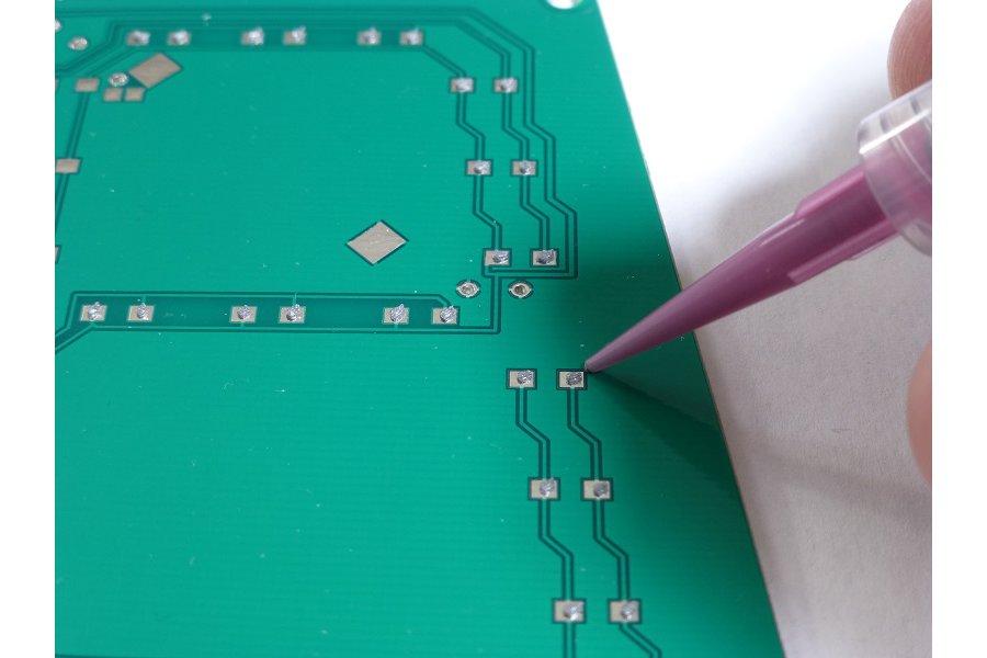 DM – Solder paste and adhesive dispenser