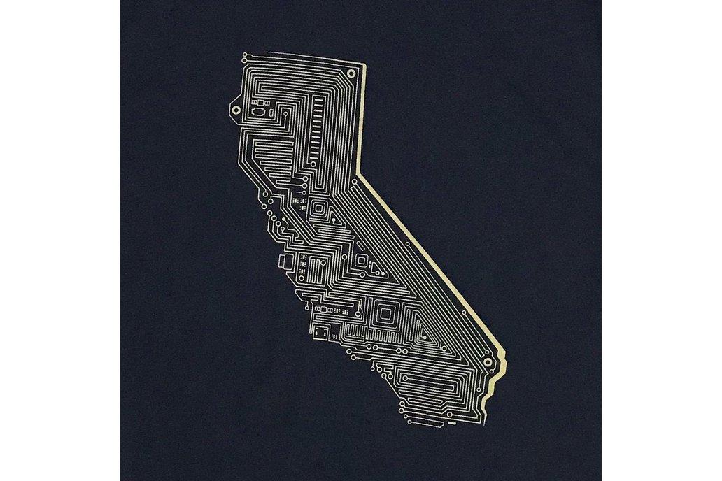 Cali Tech Graphic T-shirt in Black 1