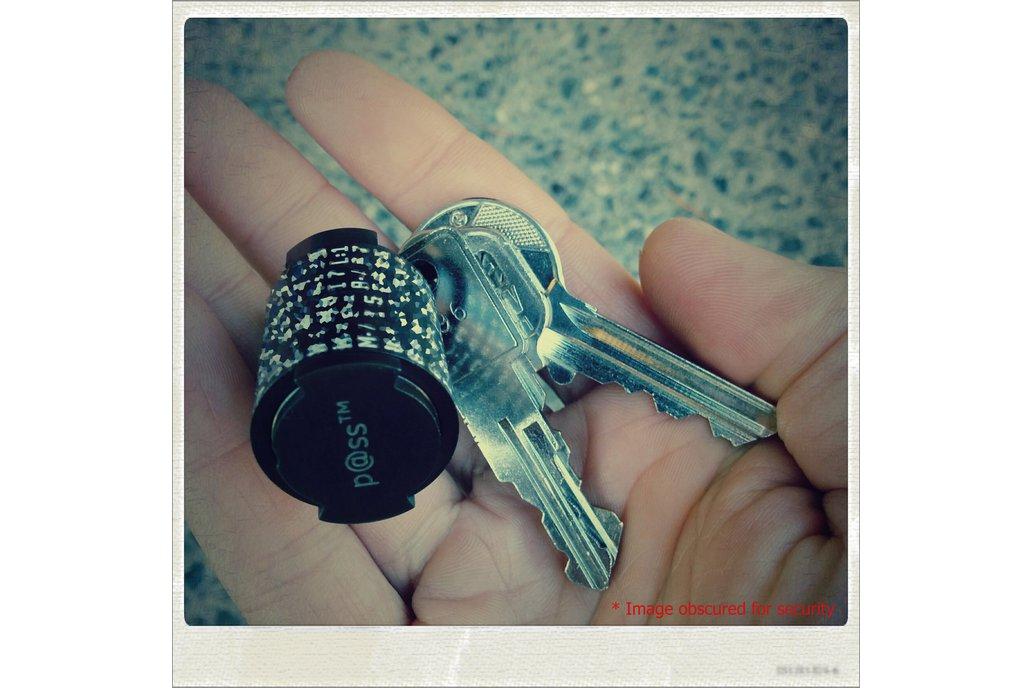 p@ss™ Mark II Password Generator/Recall Key Fob 2