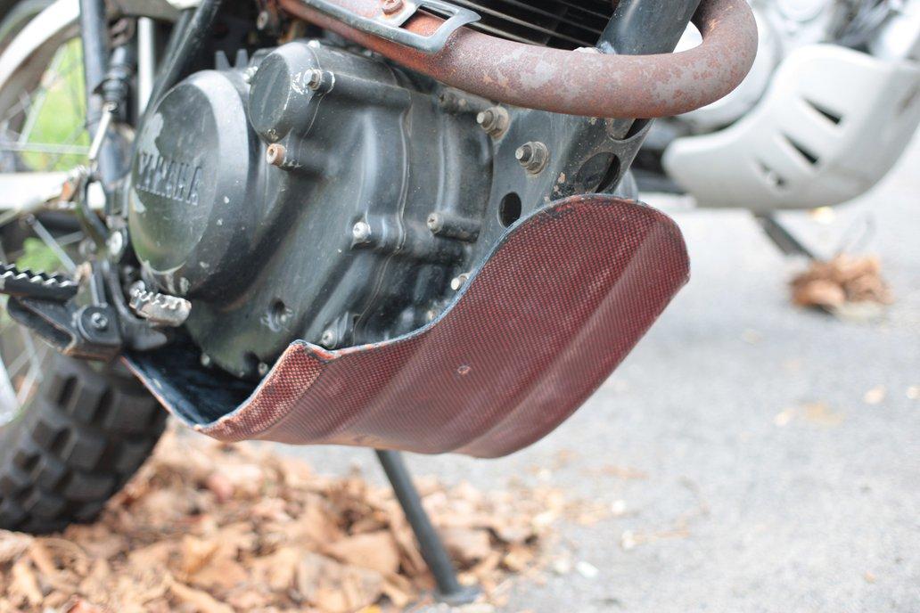 Yamaha XT200 50/50 Carbon/Kevlar Skid-Plate 1