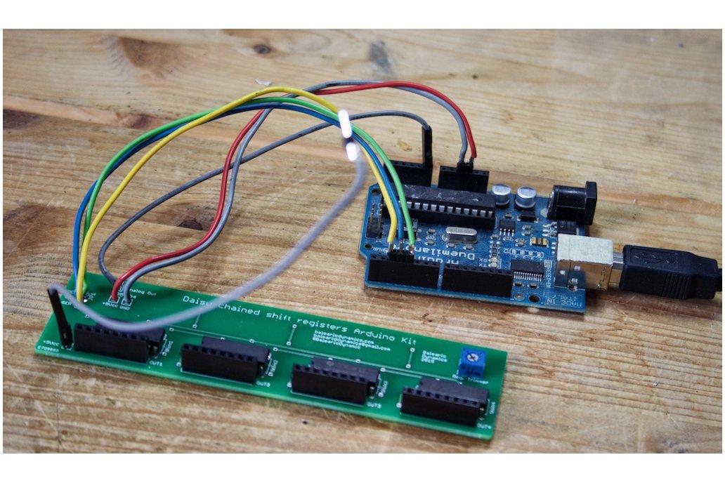 Daisy-chained Shift Registers Board Arduino kit 4
