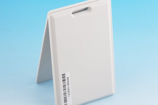 Ultra thin Card Beacon with iBeacon &amp