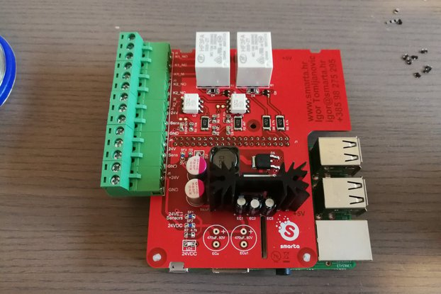 Raspberry Pi relay board with optocouplers