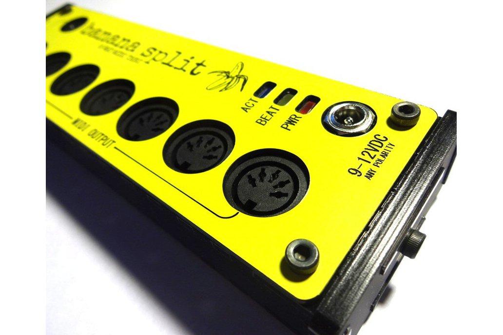 Banana Split - 6 Way Midi Splitter/Thru Box 3
