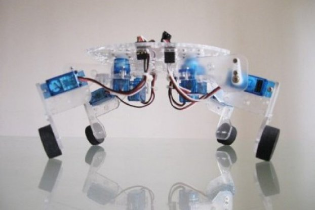 QuaBot quadruped robot chassis with 8 Servo motor