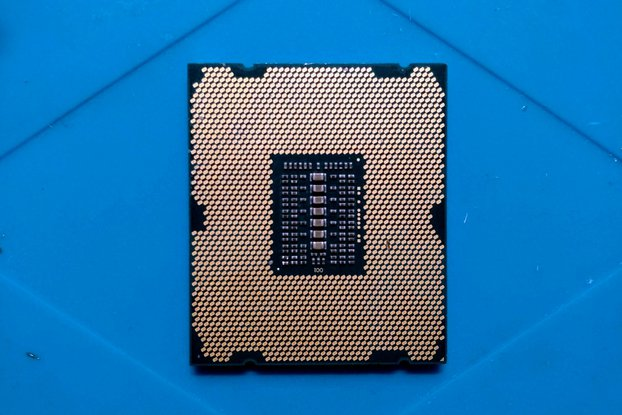 Refurbished Intel Xeon E5-2690 CPU LGA2011