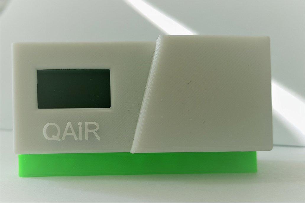 QAir - Connected air quality sensor -CO2 - desktop 1