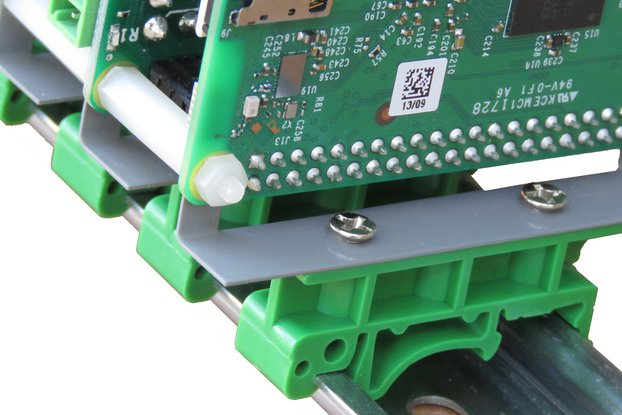 Stackable DIN-Rail Kit for Raspberry Pi
