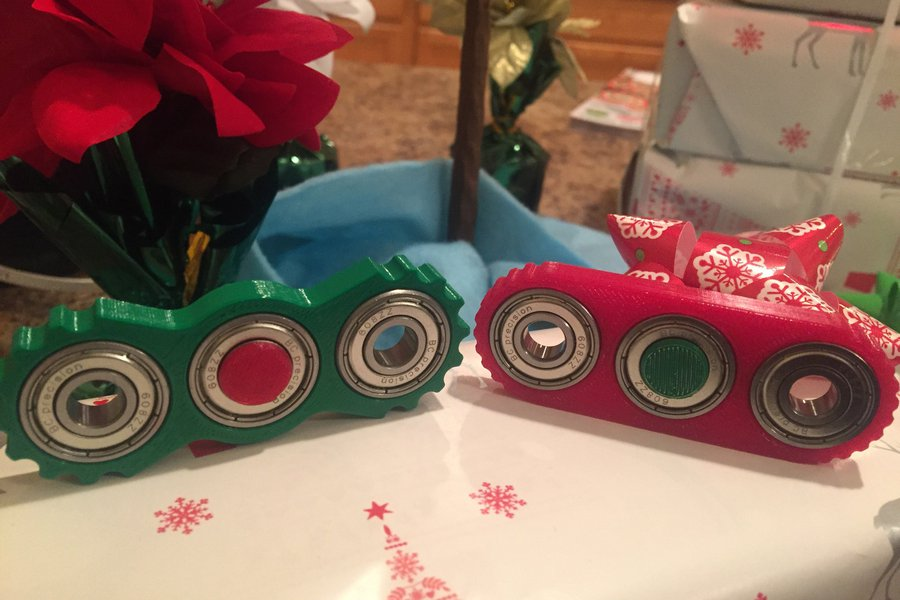 Limited Edition Christmas Spinner Set