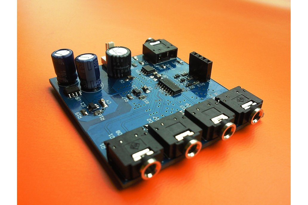 4-channel analog multiplexer/demultiplexer 1
