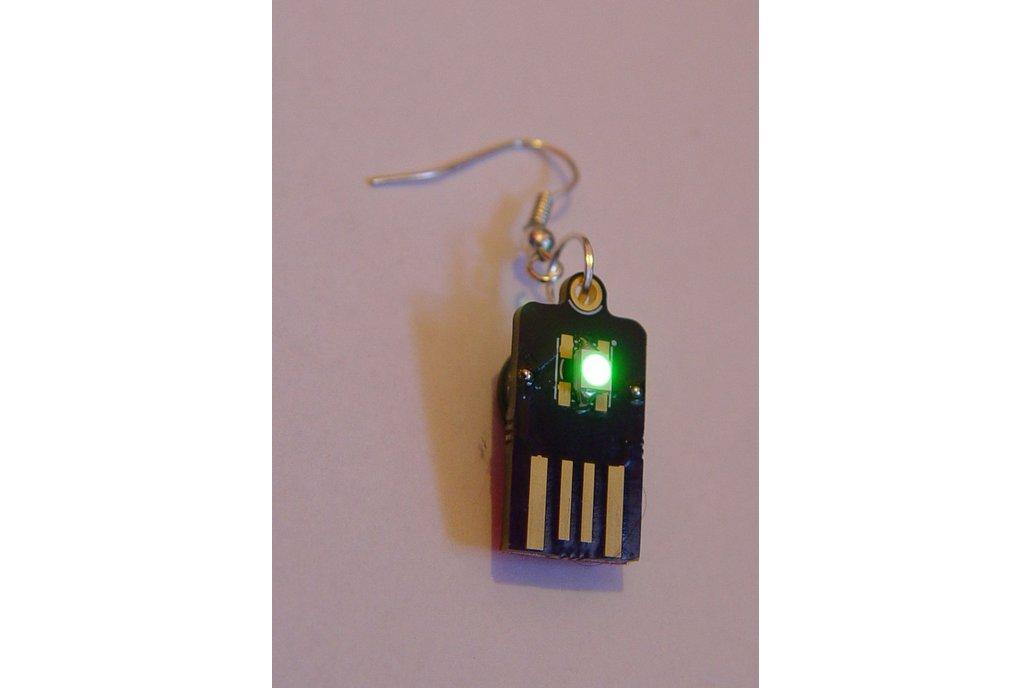 USB supercapacitor Led Earrings 2
