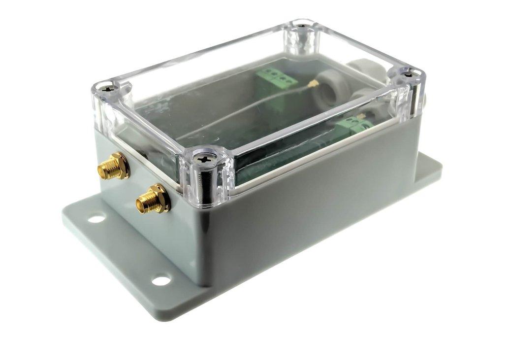 qBox AMC DIY IOT Enclosure Kit (Two SMAs) 1