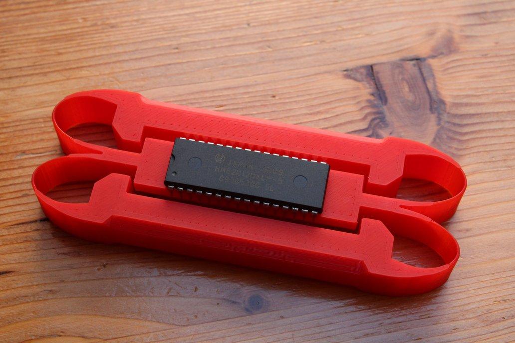 DIP bender IC lead straightener tool 3D printed 1