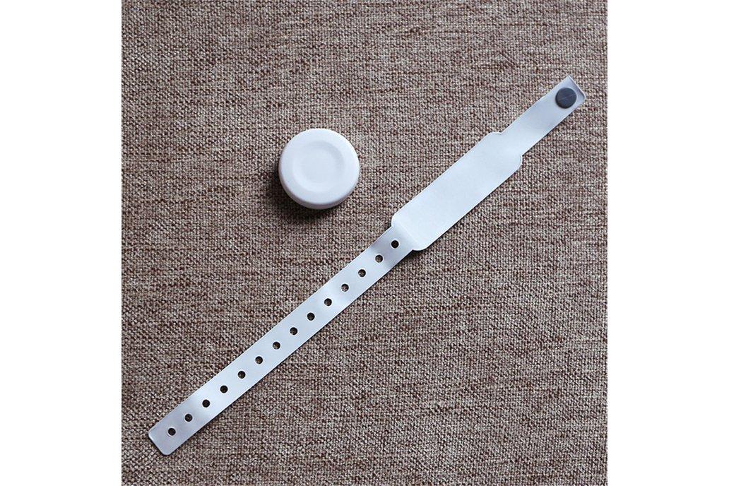 ble 5.0 wearable wristband motion sensor beacon 1