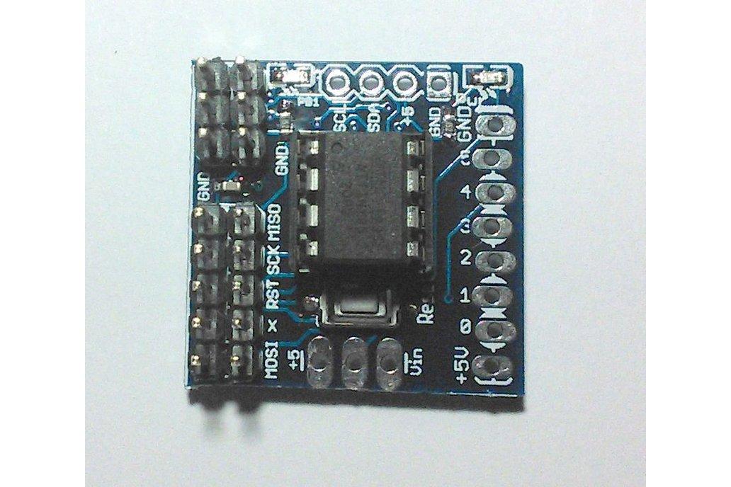 AtTiny85 programmer runtime board, breadboard adapter, bare pcb 2