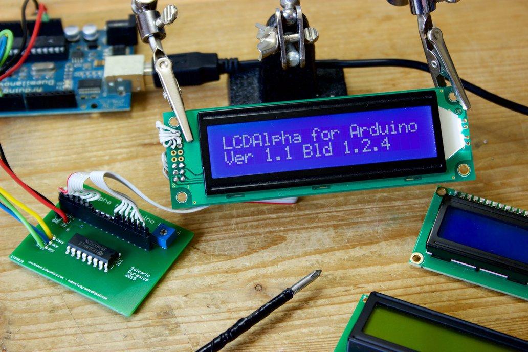 Alphanumeric LCD Arduino Kit 1