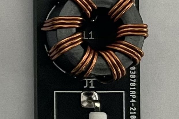 Tiny QRP 1:1 Hybrid Balun (for a dipole antenna)