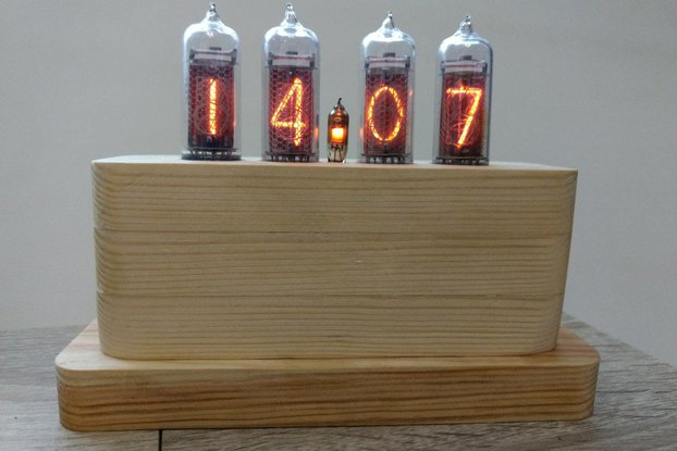 IN-14 Nixie Tube Clock in Wooden Case