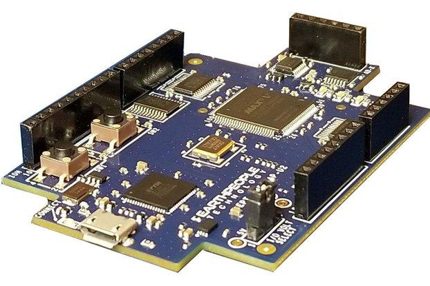 Intel/Altera 5M570 CPLD Development Kit - UnoMax