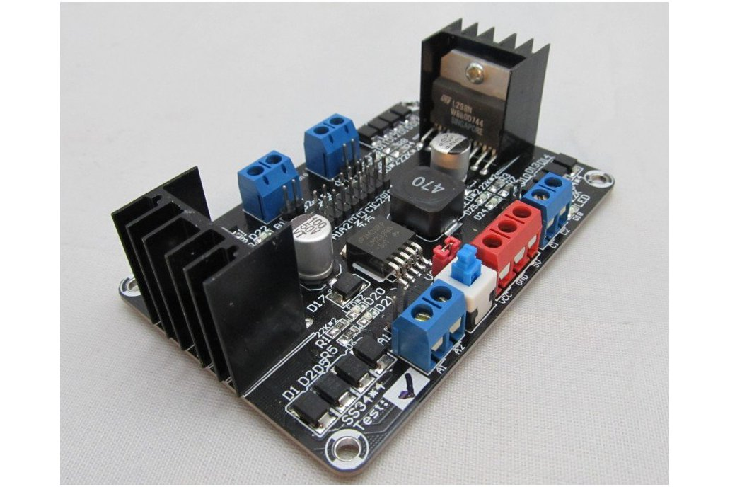 4DC Motor Controller for 4WD robot chassis 1