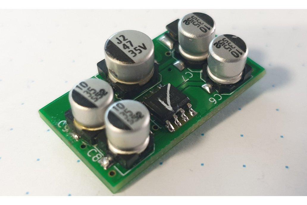 Single voltage audio preamplifier 1
