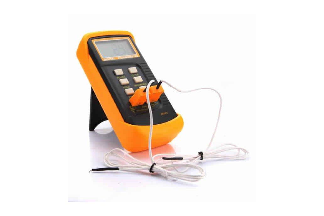 6802II Digital Waterproof Thermometer 1