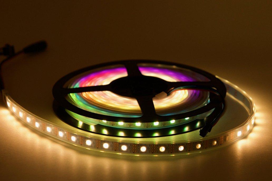 4 meter spool of 60/m SK6812 (WS2812) RGBW LEDs 1