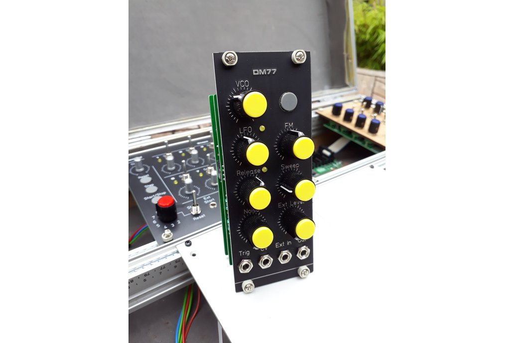 DM77 - Eurorack Drum Module 1
