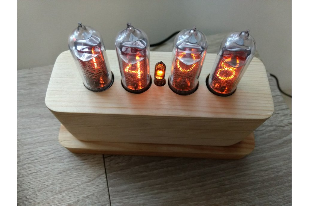 IN-14 Nixie Tube Clock in Wooden Case 7