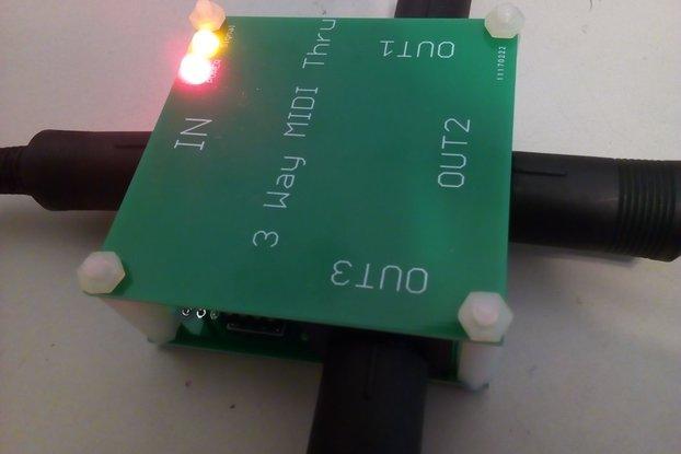 3 way 1x3 MIDI Thru Box/MIDI Splitter