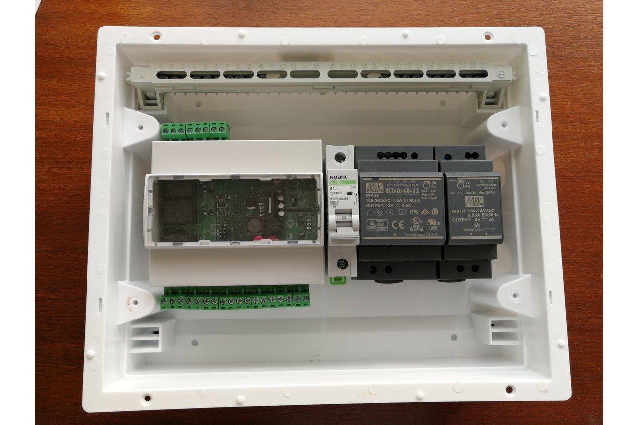 Raspberry pi relay board for din rail mounting
