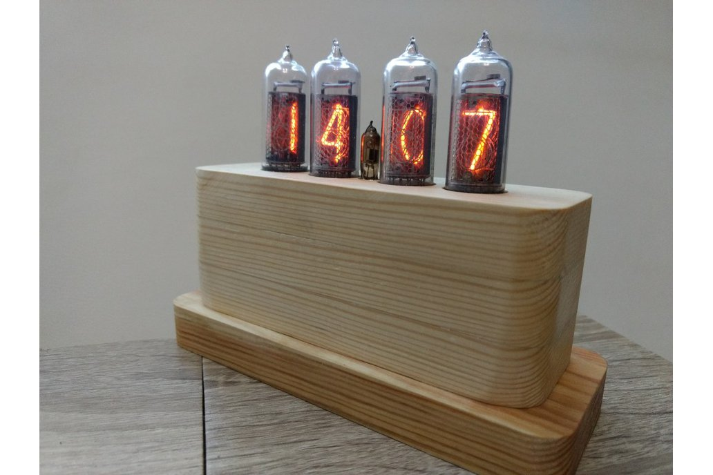 IN-14 Nixie Tube Clock in Wooden Case 3