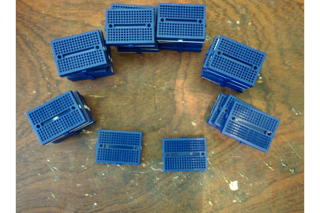 lot 30 mini blue 170p breadboard - overstock 1