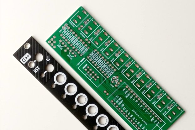 Clock divider for Eurorack (PCB + Panel)