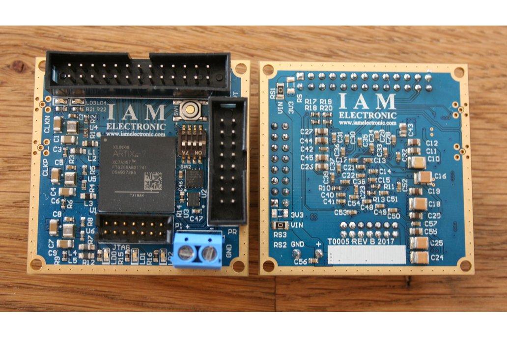 Tiny 5x5cm² FPGA board with Xilinx Artix-7 1