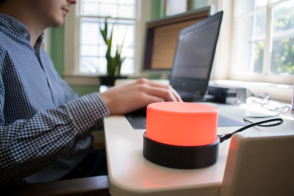 Slicky: The Do Not Disturb Desk Light 1