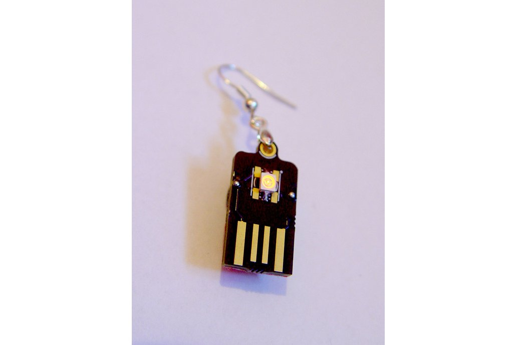 USB supercapacitor Led Earrings 3