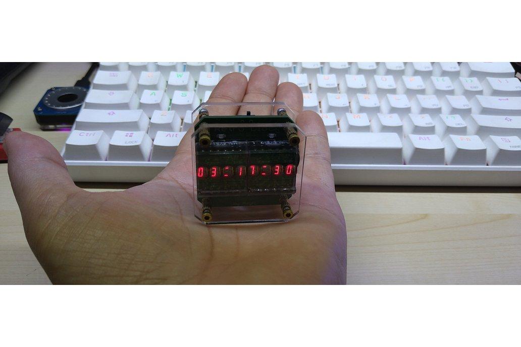 Retro Clock with 2 HPDL1414 LED Displays 1